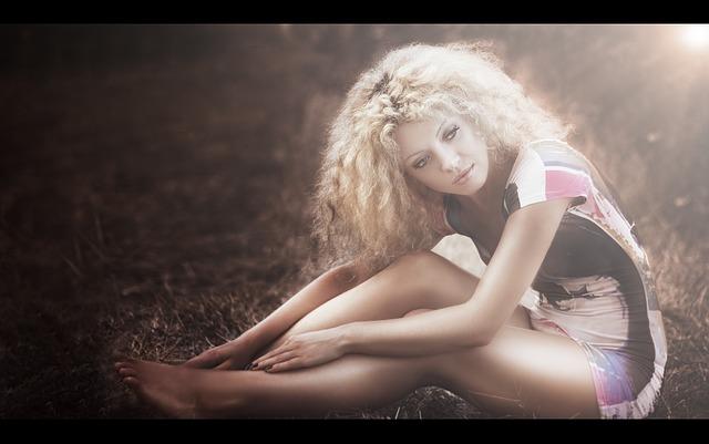 girl-1712812_640