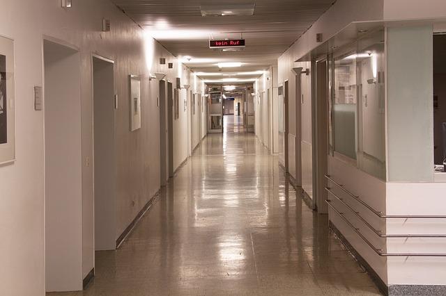 hospital-207692_640