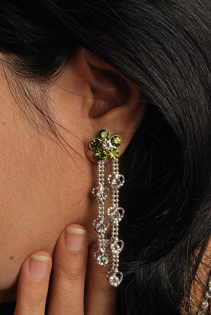 jewellery-550824_640